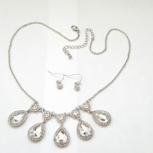 Silver Plated Crystal Teardrop Necklace Set